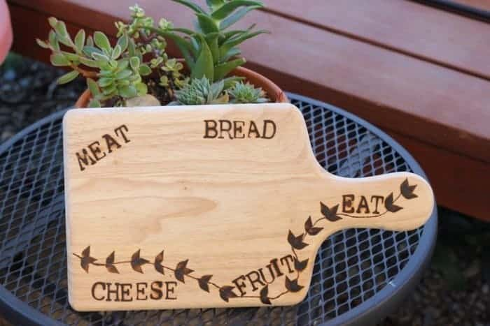 How to Make a Custom Cheese Board